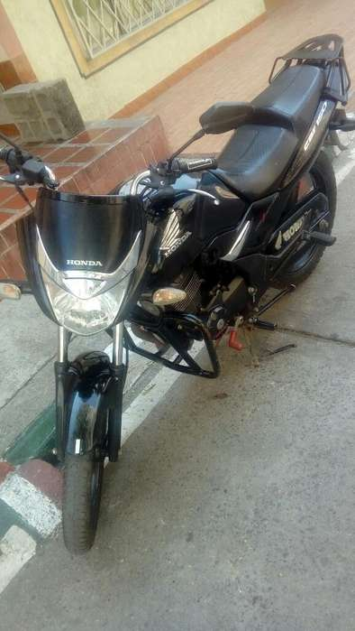 Vendo Honda Cbf 150 Negra.
