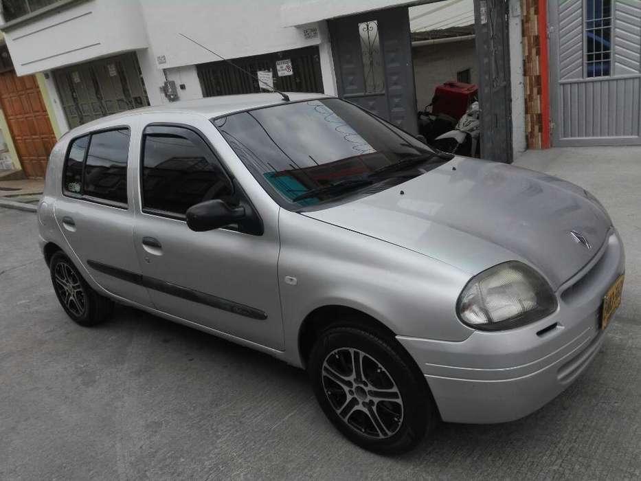 Renault Clio  2002 - 166000 km