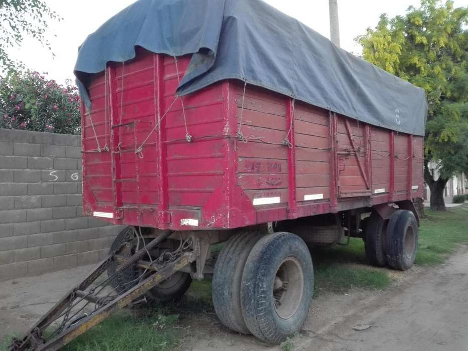 CAMION FORD 700