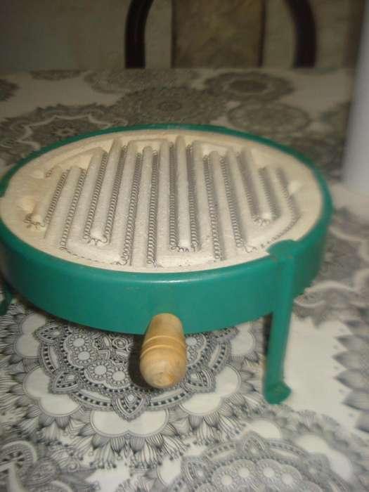 Calentador Electrico De Mesa Blum 22cm Doble Asa No Envio