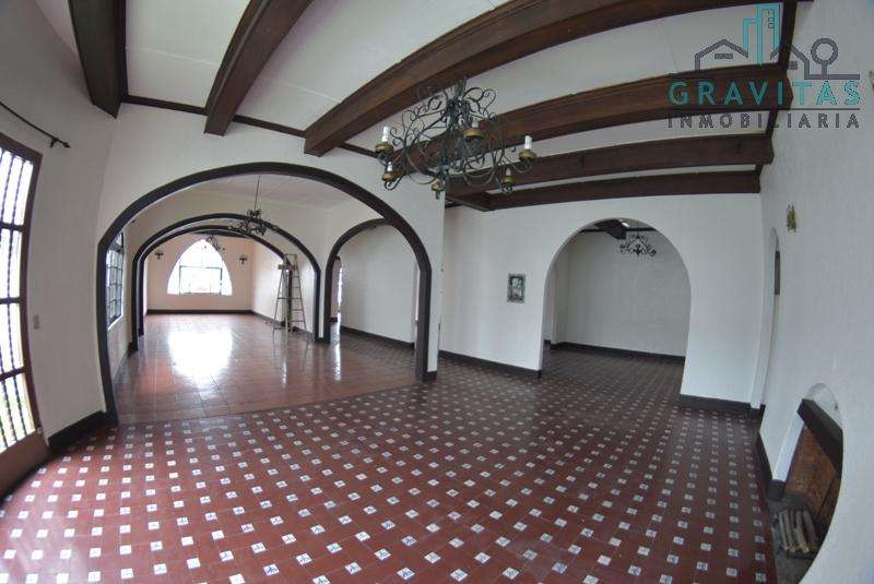 Local ideal para Discoteca en San Pedro / 360m2 / Frente a Carretera