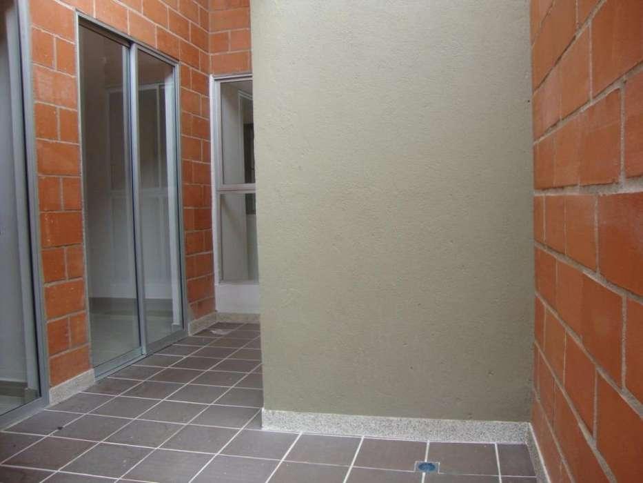 Arriendo apartamento con parqueadero en Laureles - wasi_1500294