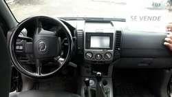 Vendo Camioneta Mazda 4*4 Doble Cabina