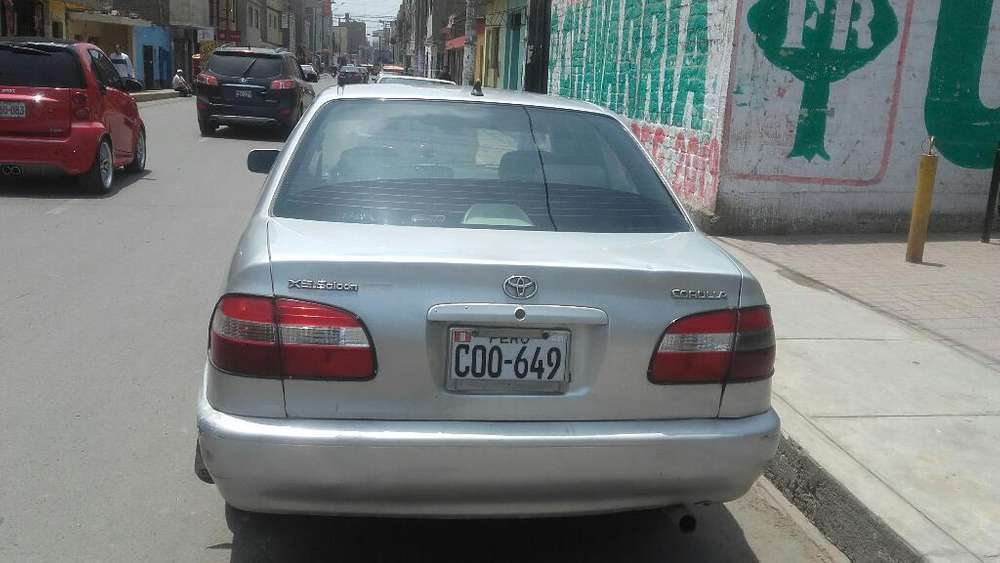 Toyota Corolla 2000 - 176000 km