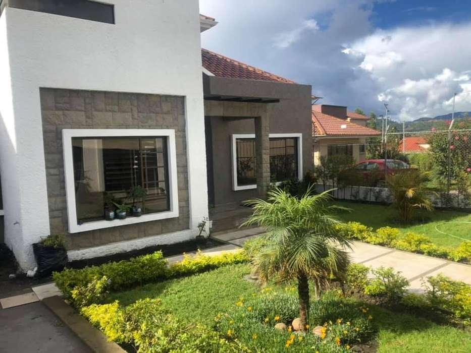 Casa en renta sector Challuabamba (R17)