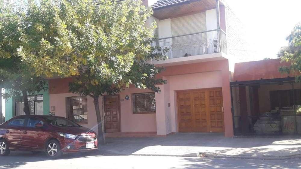 Irigoyen 1400 - UD 270.000 - Casa en Venta