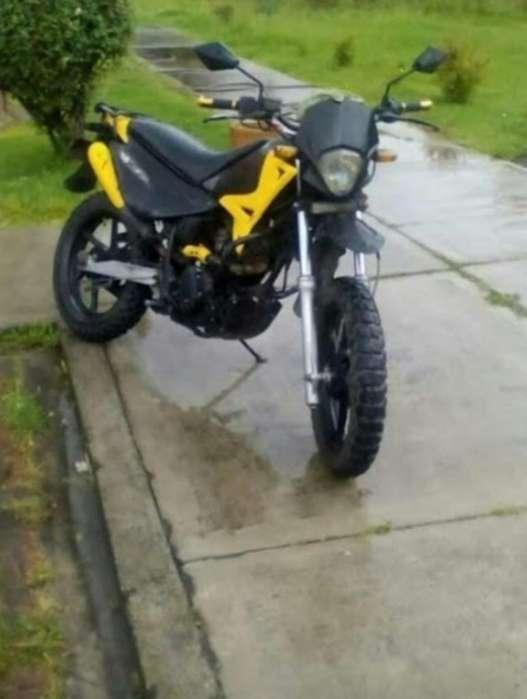 Vendo Moto 200