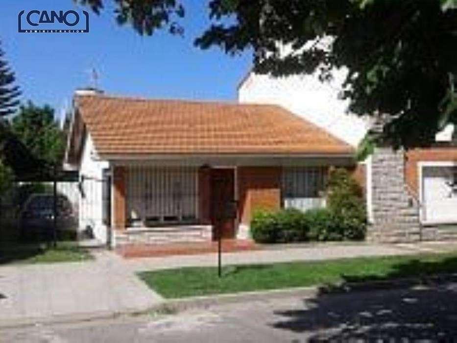 Casa en Alquiler Temporario Zona II de Miramar. Estado Bueno. Verano 2020