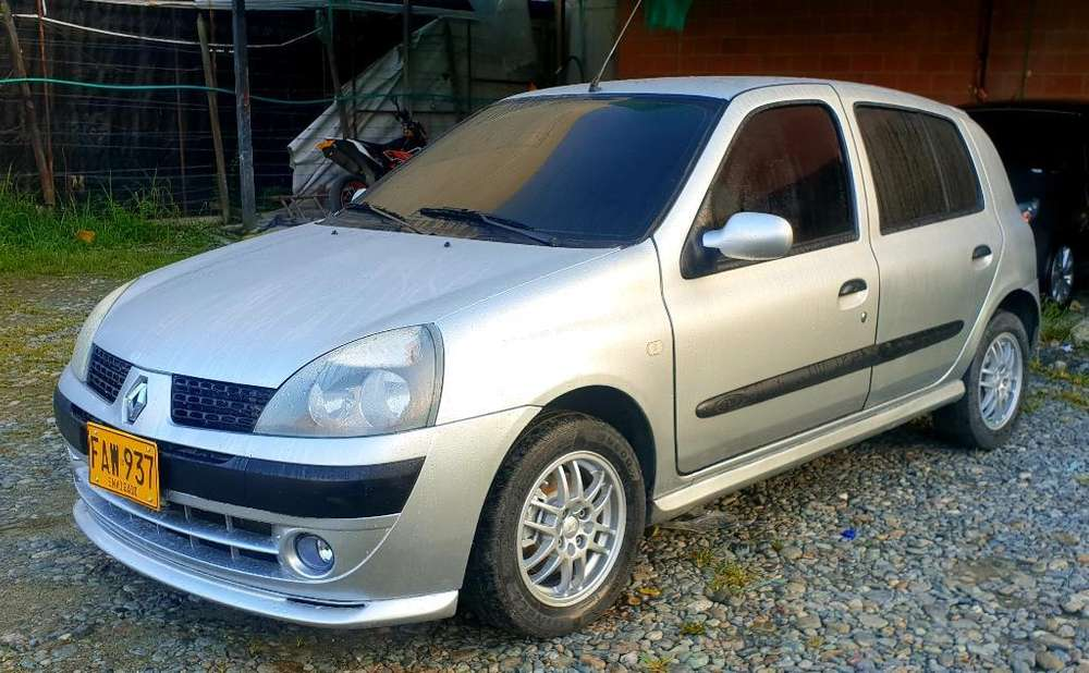 <strong>renault</strong> Clio  2005 - 94000 km