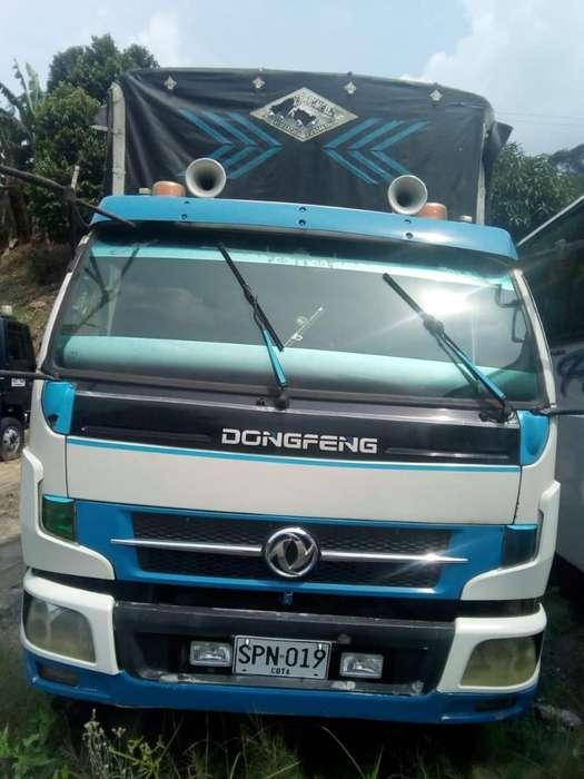 Venpermuto Camión Dongfeng