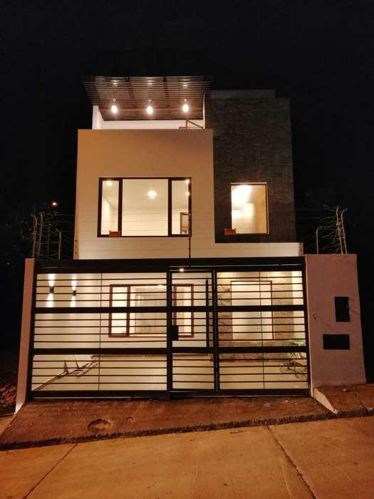 C533 Casa en Venta, Sector Racar Plaza, a una cuadra de la vía principal