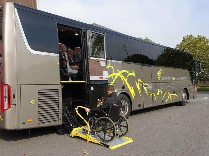 Elevador de silla de ruedas para vehículos