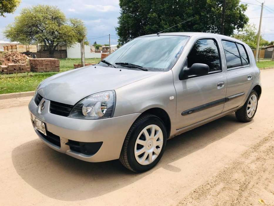 Renault Clio  2008 - 136000 km
