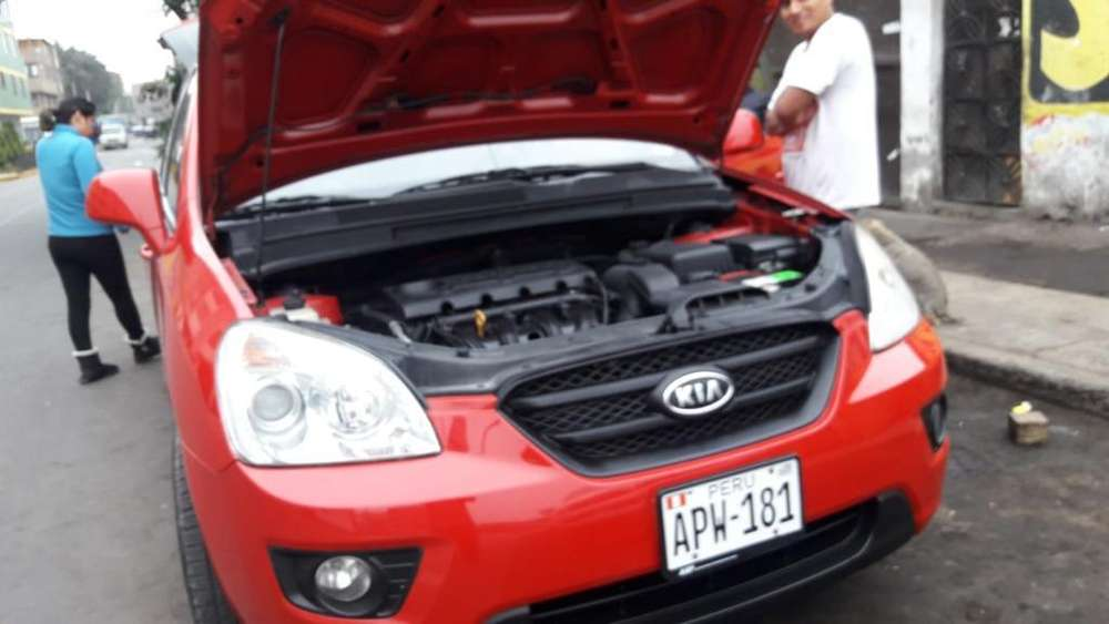Kia Carens  2009 - 95000 km