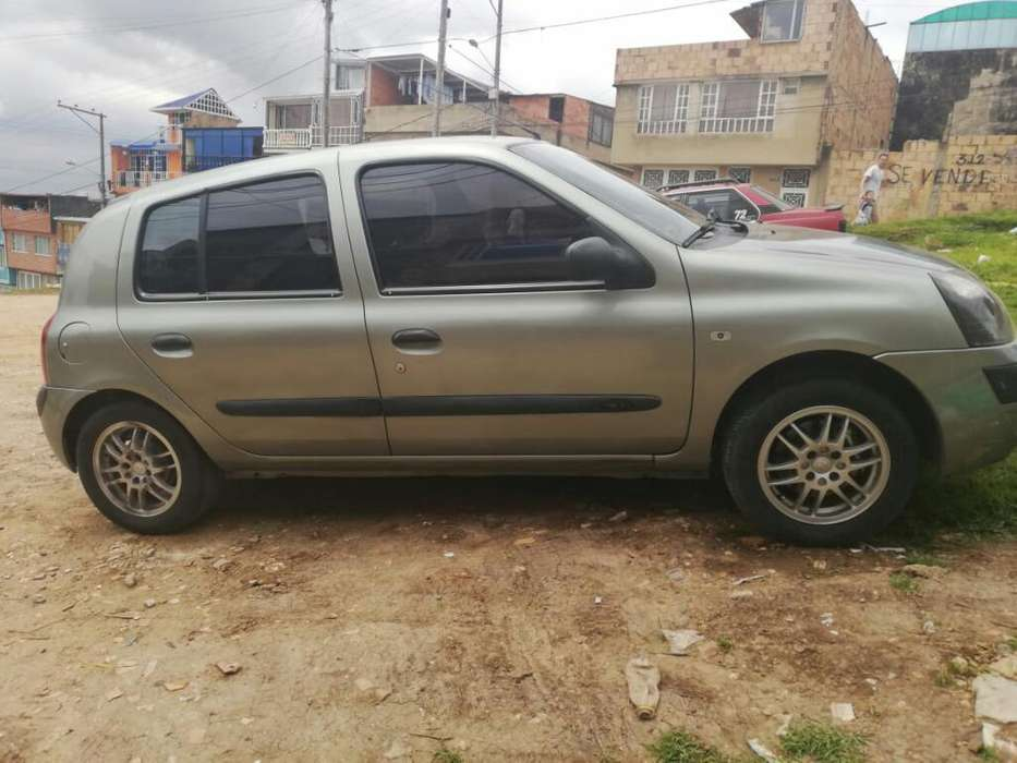 Renault Clio  2004 - 145000 km