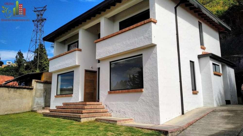 Espectacular Casa En Venta En La Calera Con Amplias Zonas Verdes Y Vista Panorámica Campestre Y Urbana