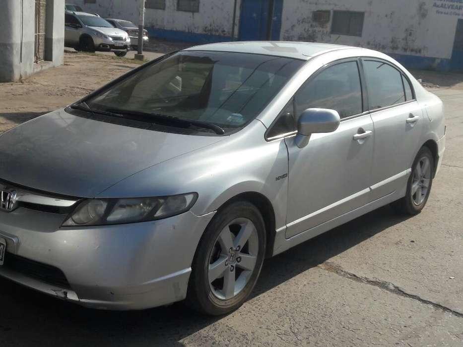 Honda Civic 2008 - 175000 km