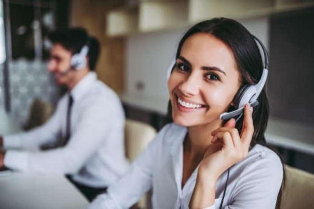 Chica para Servicio Al Cliente en Ingles