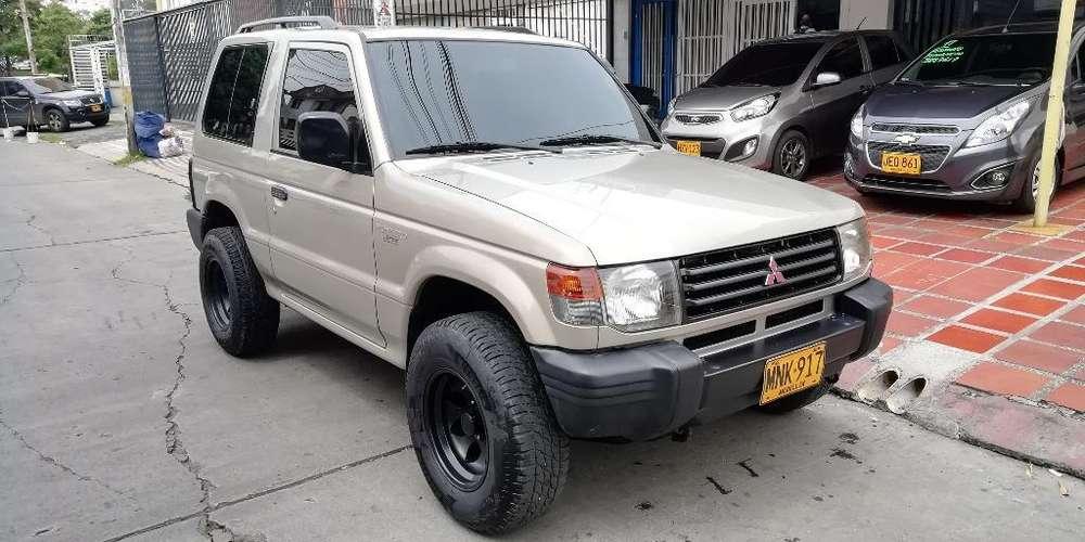 Mitsubishi Montero 2007 - 141000 km