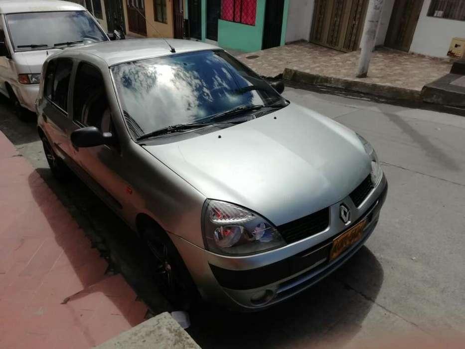 Renault Clio  2004 - 140000 km