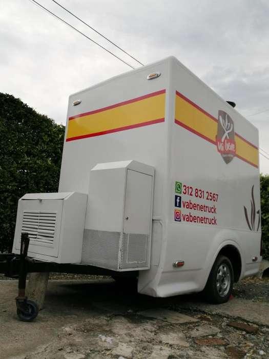Vendo trailer para comidas, exterior en lámina y fibra, interior en acero inoxidable, con gas y energía solar.