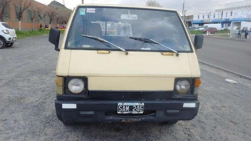 Vendo Mitsubishi L 300