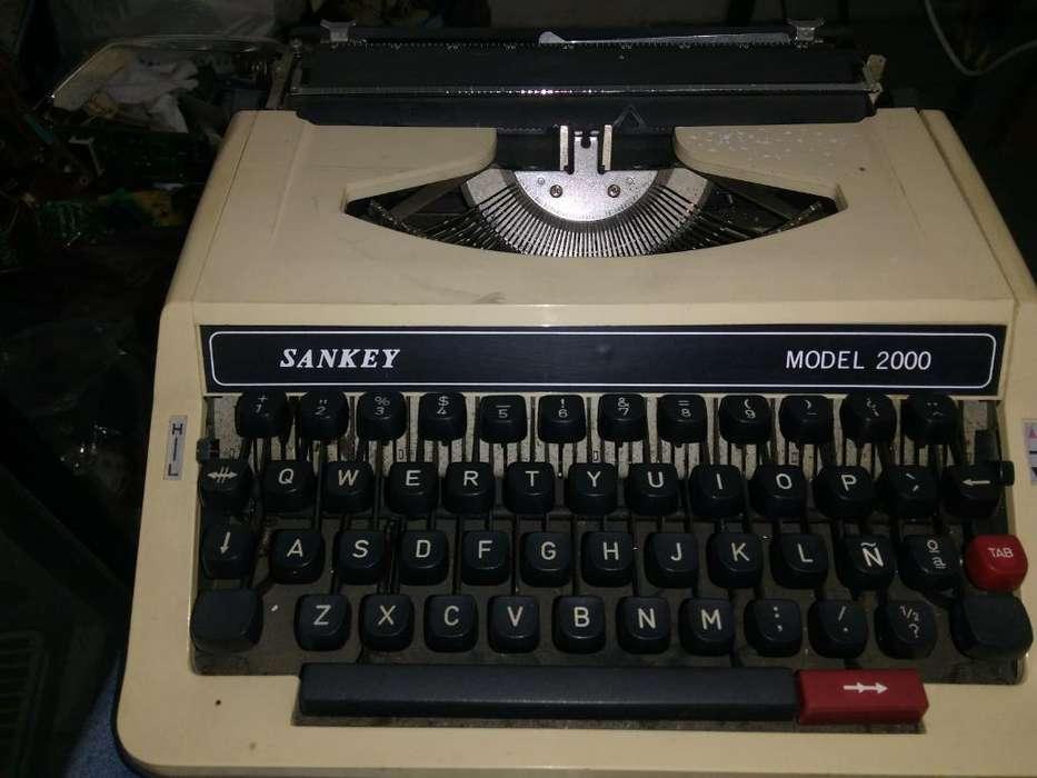 Vendo Máquina de Escribir Marca Sankey