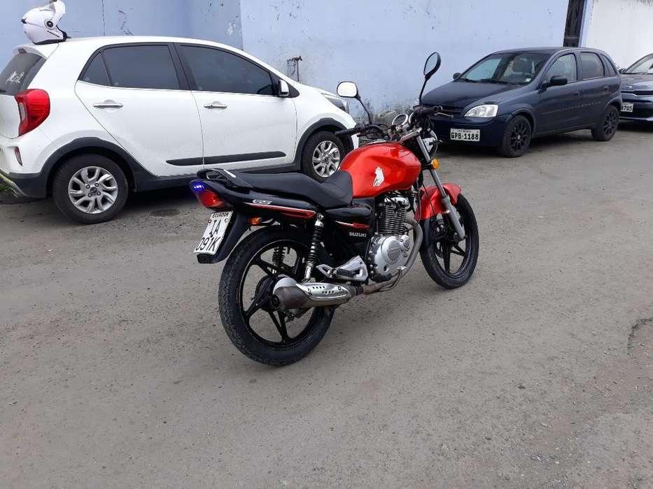 Venta de Motocicleta Suzuki 2014