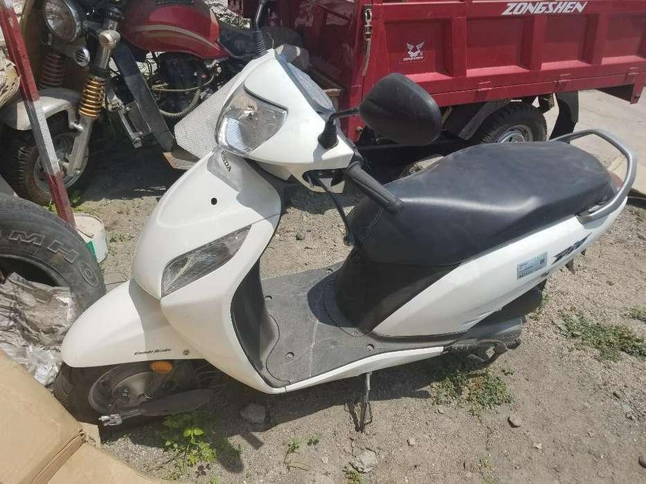 Honda Dio Como <strong>nueva</strong> 250 Km