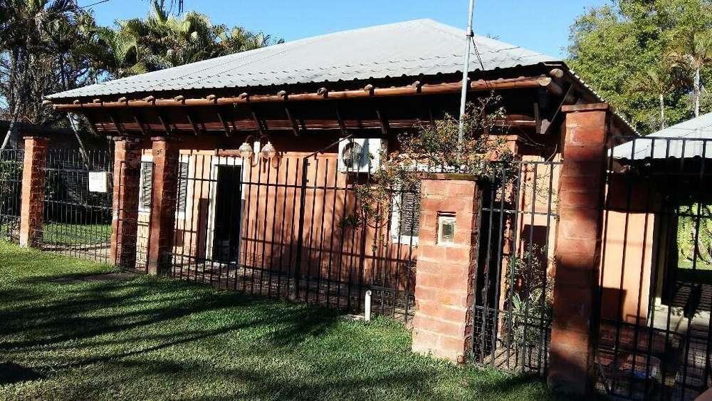 Casa con Pileta en Paso de La Patria
