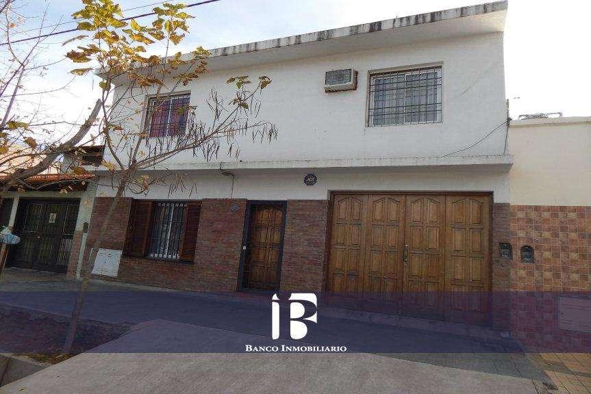 Casa en Venta. 3 Dor. 360 M2. 220 M2 Cub