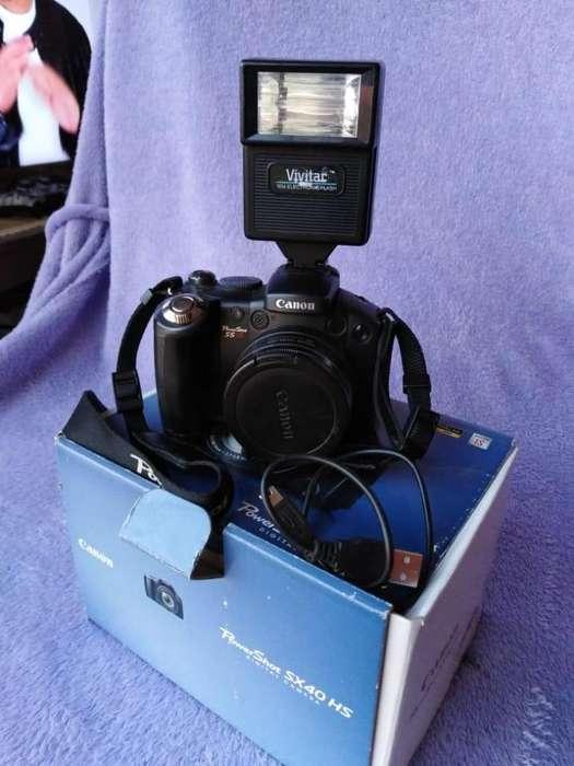 Vendo camara semi profesional marca Canon