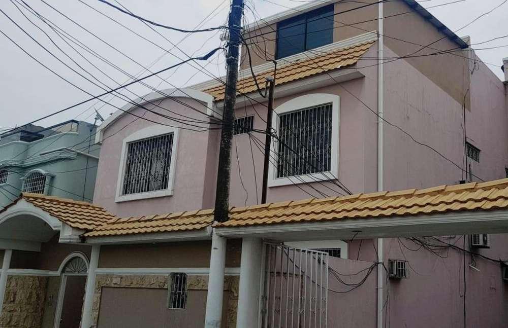 Casa Rentera En Acuarela del Rio, Terminal terrestre