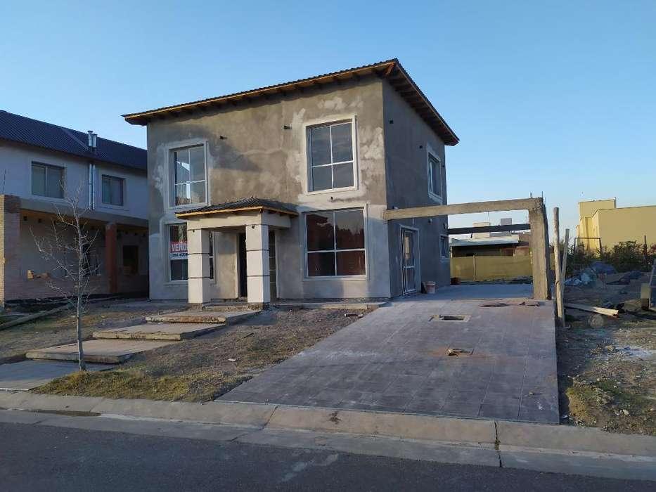 Vendo Casa a Estrenar en Barrio Privado