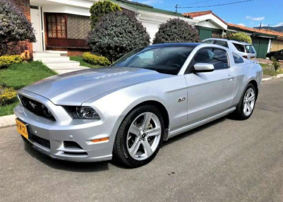 Ford Mustang 2013 - 33000 km