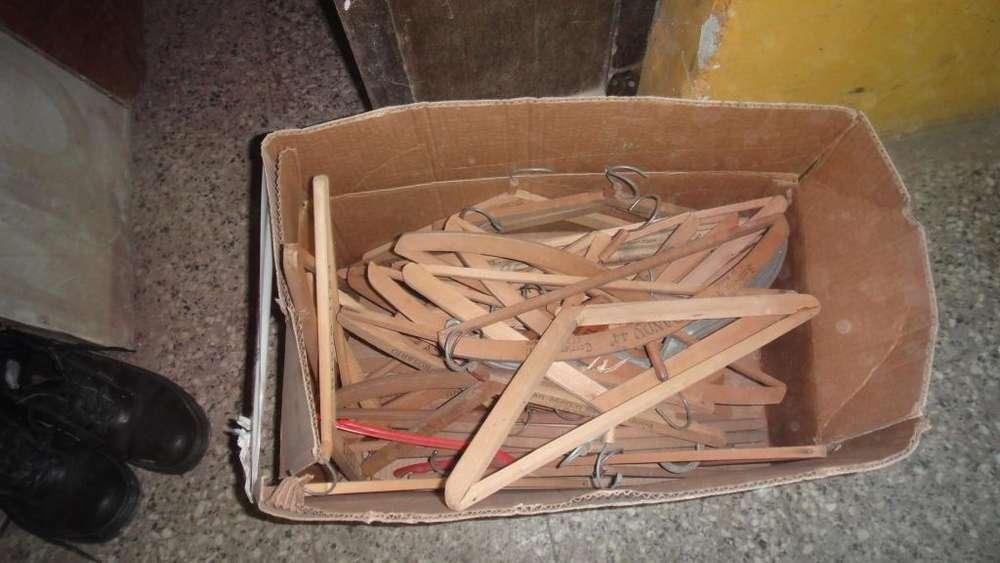 perchas de maderas