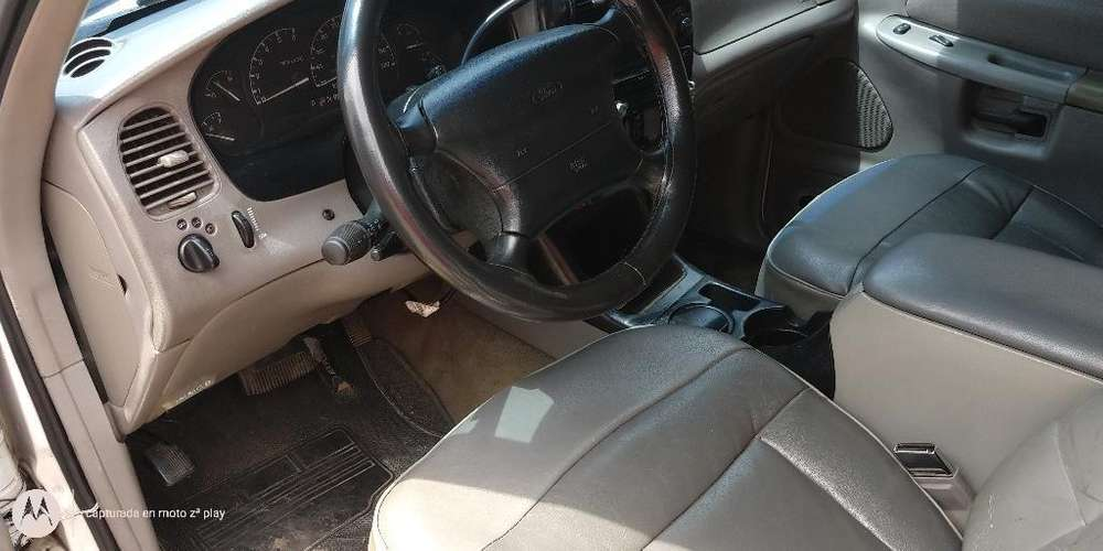 Ford Explorer 1997 - 180 km