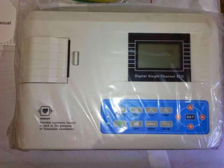Electrocardiógrafo Marca CONTEC E100