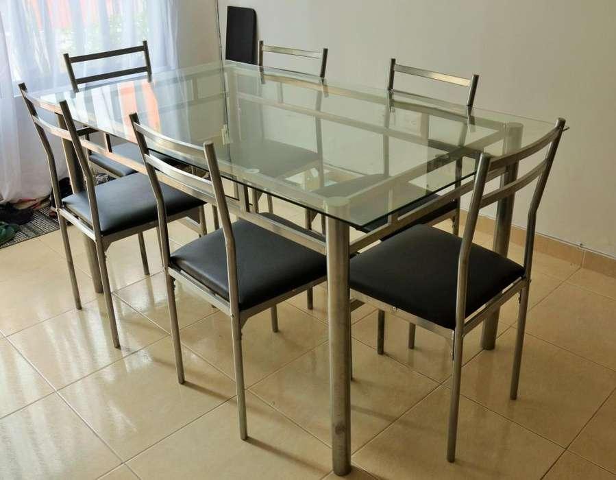 Mesa de comedor con 6 <strong>sillas</strong>
