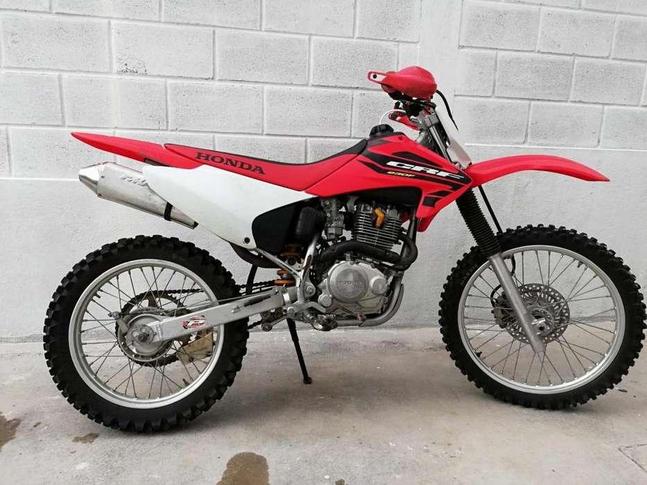 VENDO MOTO <strong>honda</strong> CRF 230