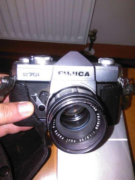 CAMARA ANTIGUA FUJICA ST701