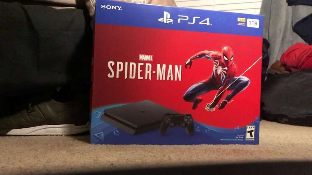 Sony PlayStation 4 Slim 1TB Spiderman