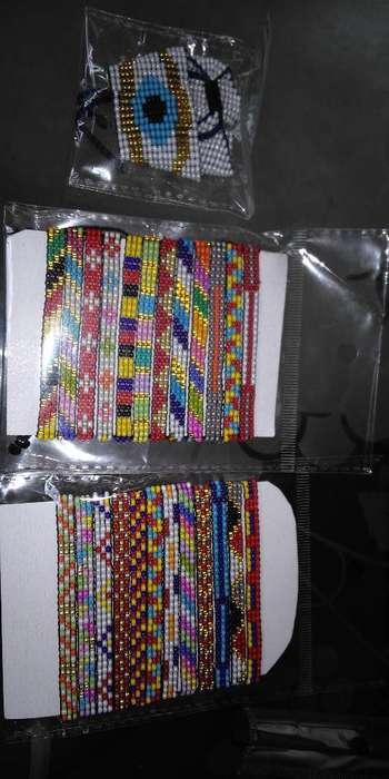 Manillas Personalizadas en Mostacilla