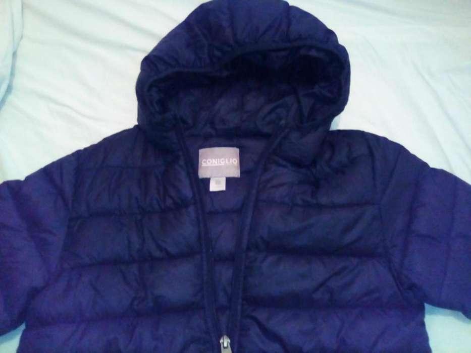 Campera de <strong>abrigo</strong> marca Coniglio Talle 10, color negro