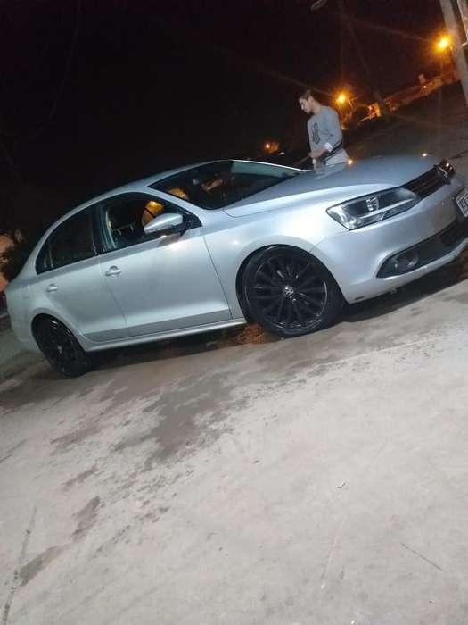 Volkswagen Vento 2011 - 120000 km
