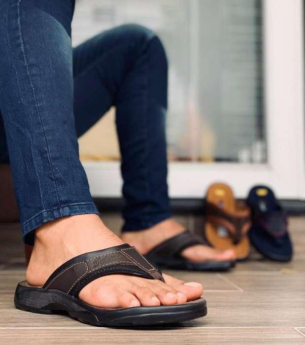 Sandalias en Cuero Tres Puntas Hombre