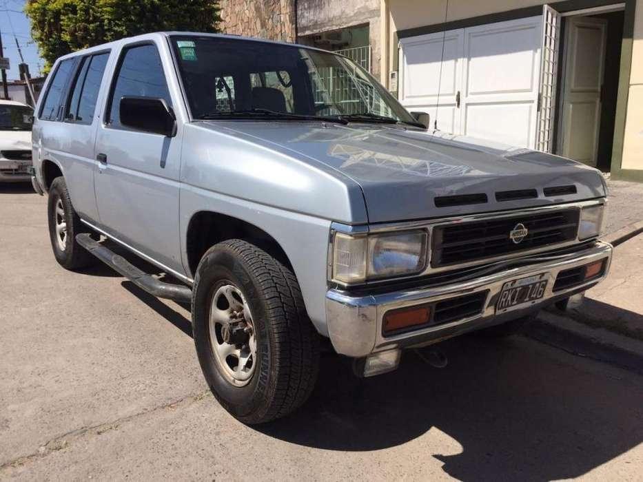 Nissan Pathfinder 1995 - 216000 km