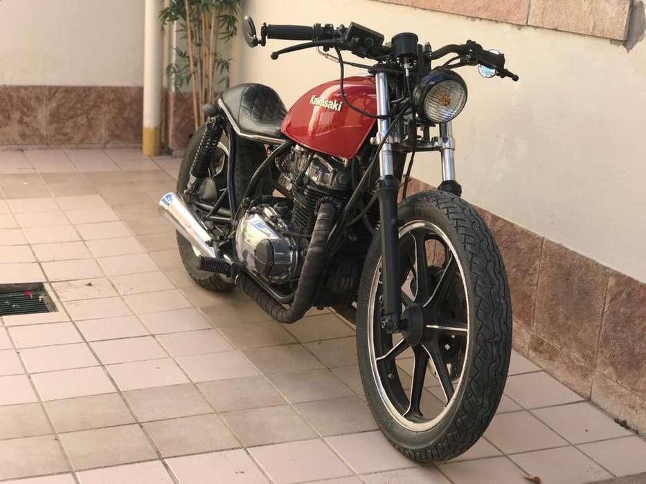 <strong>kawasaki</strong> 440 Brat Café Racer excelente