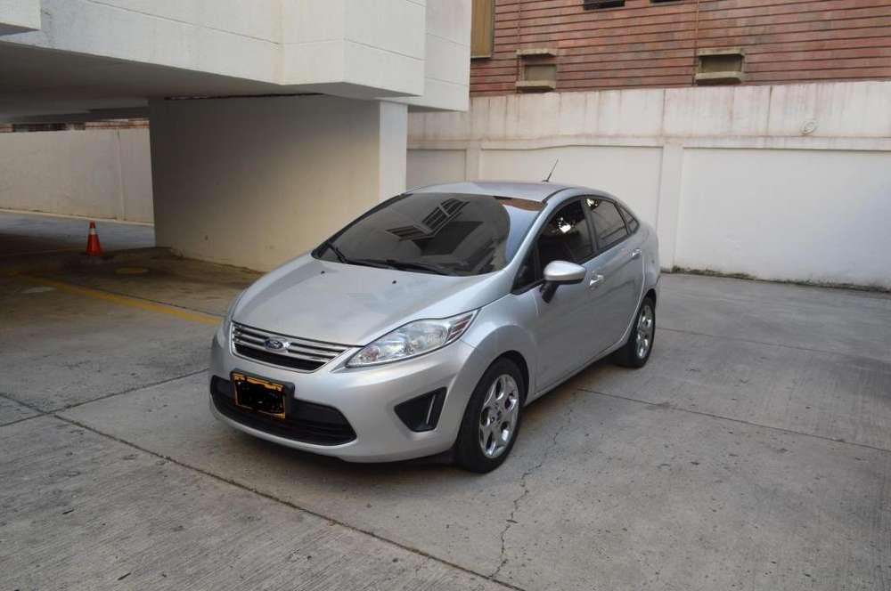 Ford Fiesta  2013 - 63000 km