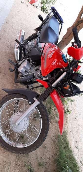 Vendo Moto Lineal Semi <strong>nueva</strong> Un Mes Comp